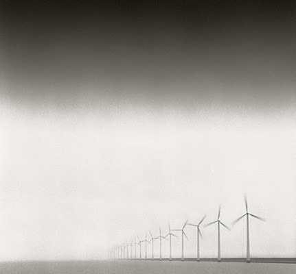 components/com_spgm/spgm/gal/Wind_Turbines/line-of-windmills.jpg